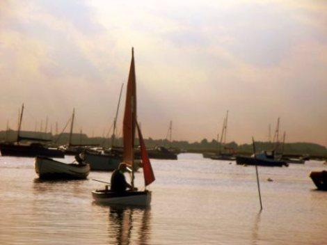 Heyland Dovetail Sailing Boat3