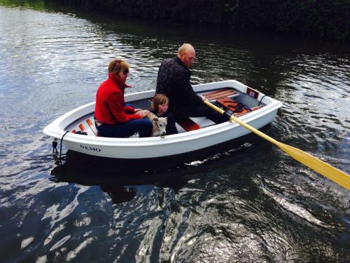 Heyland Swan Rowing Boat8