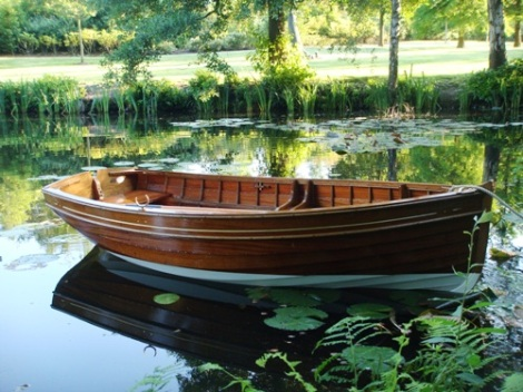 Traditional Wooden Clinker Rowing Boat7
