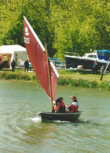 Heyland Lugger Sailing Boat7