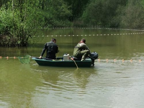 Heyland Carp Fishing Boat1.jpg