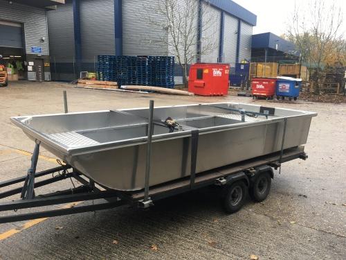 Heyland Sturdy Maintenance Boat27
